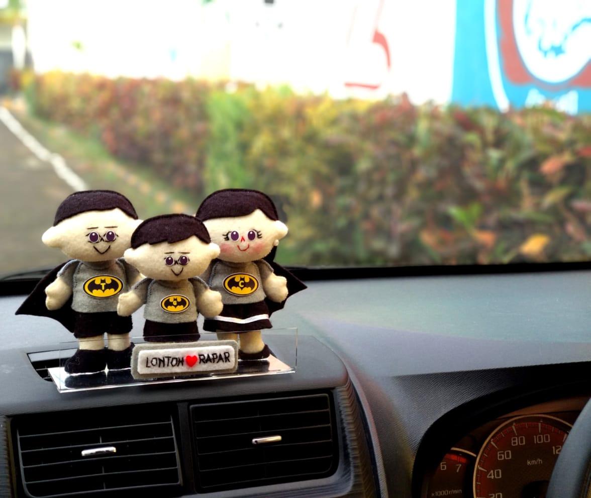 hiasan-dashboarad-mobil-boneka-batma