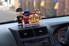 Hiasan-dashboard-boneka-keluarga-lucu