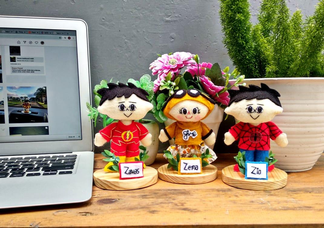 souvenir-wisuda-boneka-karakter-anak